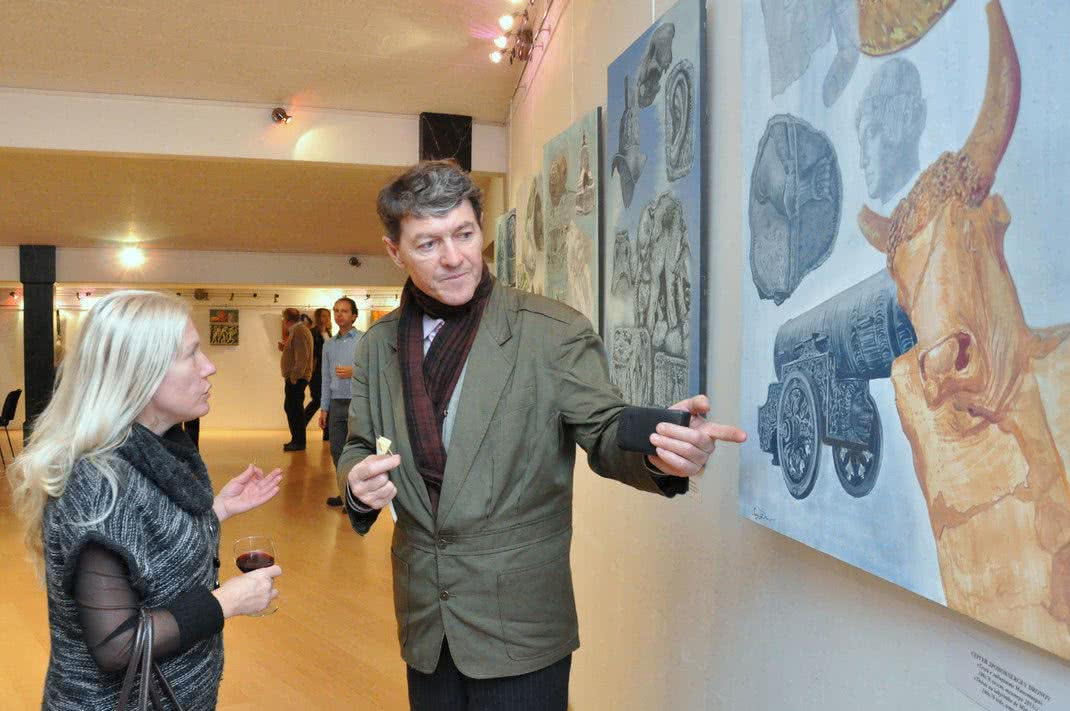 Sergey Dronov in a Gallery